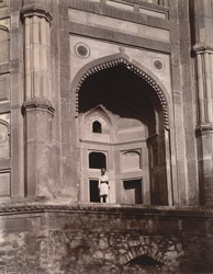 Close view of arched bay at south-west angle of the exterior of the Buland Darwaza, seen from the Diving Well, Fatehpur Sikri 1003551